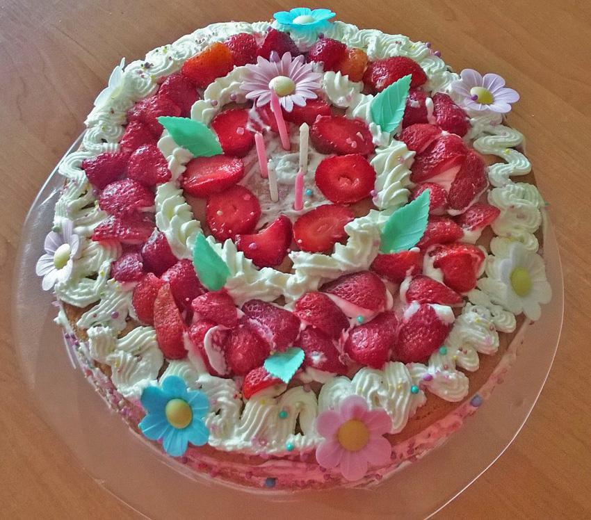 tort smietankowy